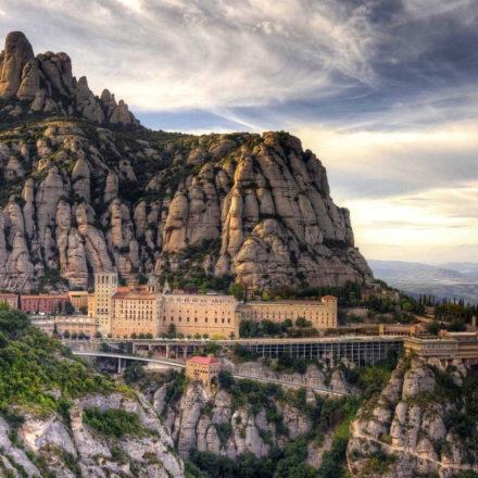 montserrat-penedes-wine-tour-barcelonabyroad